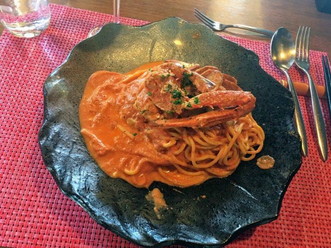 ランチのワタリガニのトマトクリームソースの生パスタ