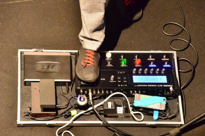 SIEM-2をライブで使っている様子