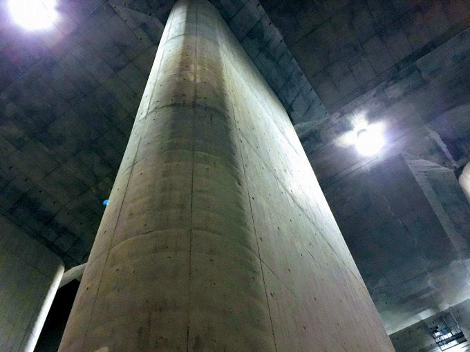 地下神殿の柱