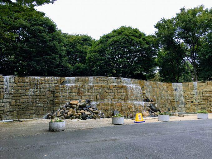 新宿中央公園のナイアガラの滝