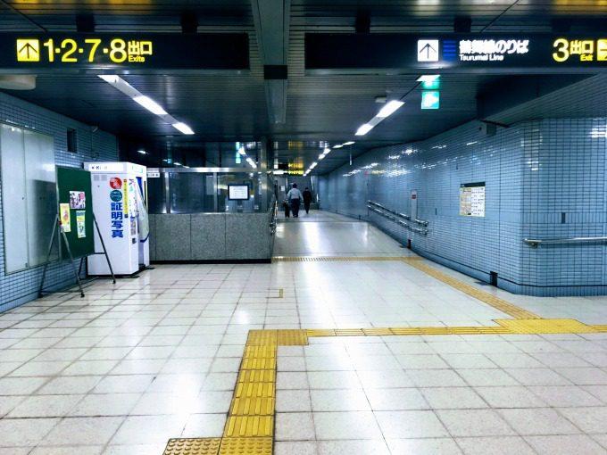 丸の内駅の通路