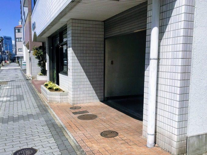 劇団ひまわり名古屋アクターズスクールの向かい側