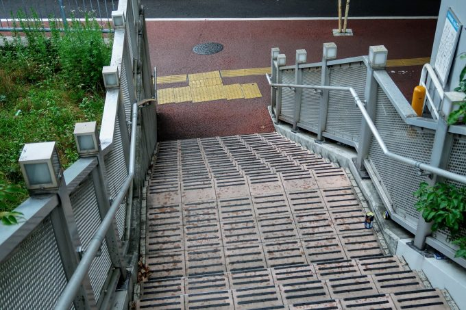 南青山陸橋への階段