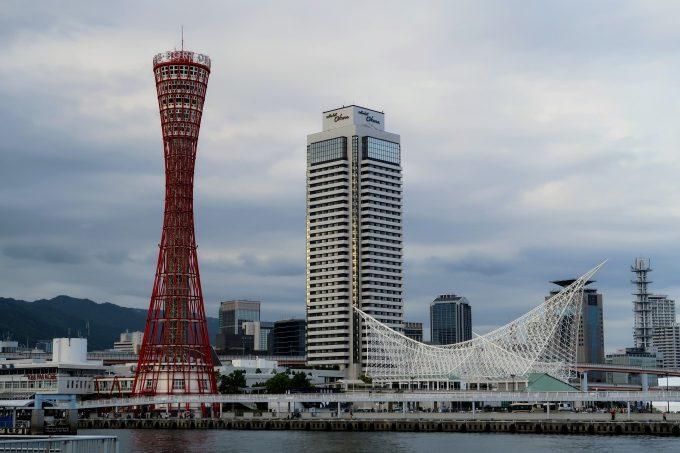 神戸ポートタワーの外観