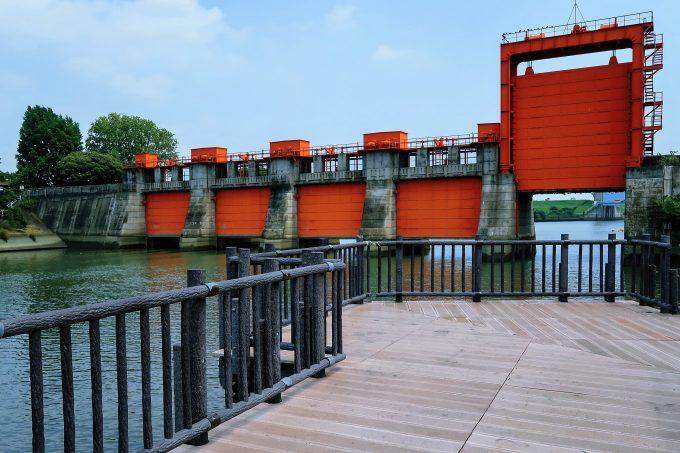 旧岩淵水門の橋