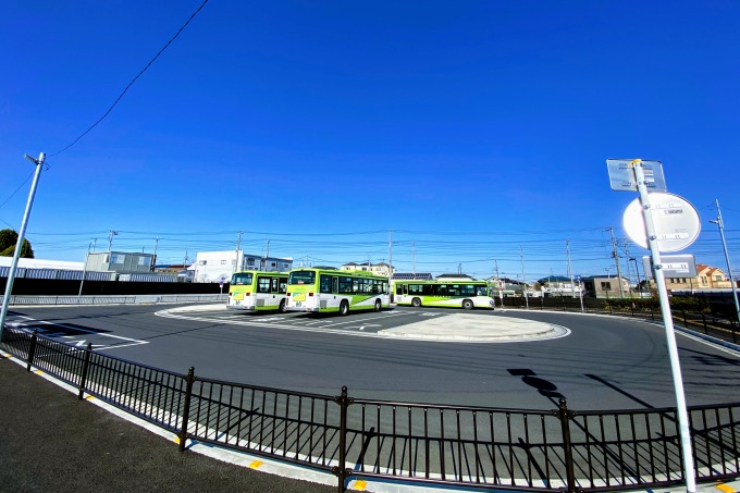 新井宿駅のバス停留所